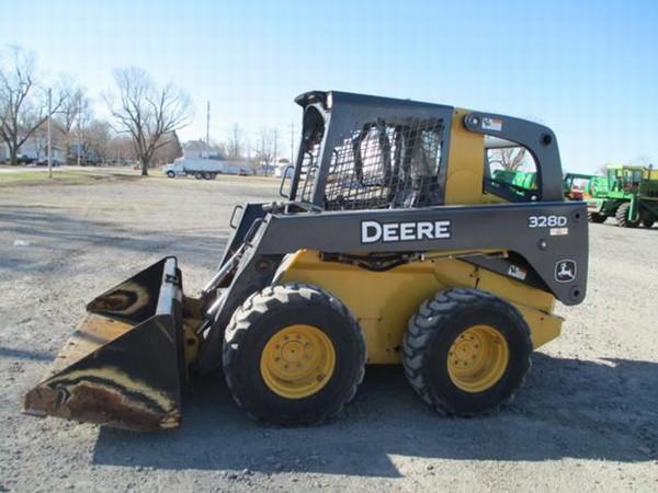 John Deere 328D